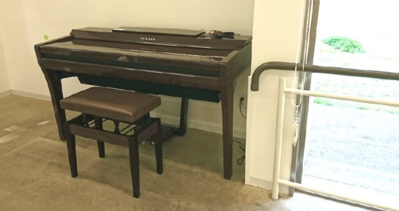 冨田病院 自動演奏ピアノ